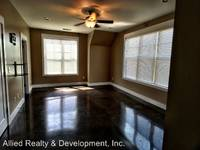 $1,800 / Month Apartment For Rent: 1720 - 1730 10th Street East - Beverly Townhome...