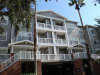 $1,600 / Month Townhouse For Rent: Modern Hyde Park Condo - 1 Bedroom, 1 Bath!