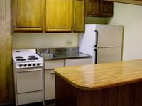 $1,098 / Month Apartment For Rent